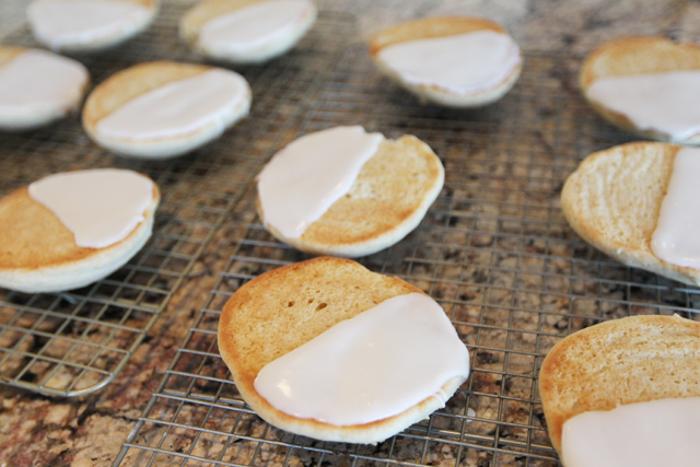 Black-and-White-Cookies-6