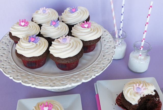 Chocolate-Milk-Cupcakes-11